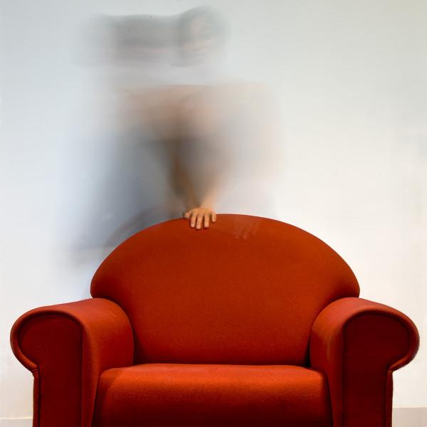 Maryse Berthet - La main au fauteuil rouge - Papier couleur N2 - 2ème - Diplôme Créativité