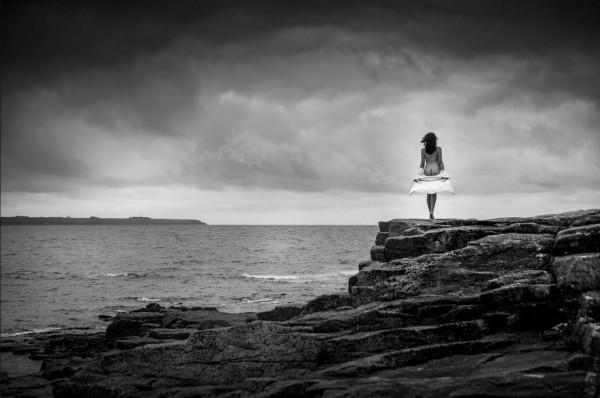 Gabriel Guihard - La jeune femme et la mer - N1 Papier monohrome